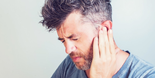 cancer ureche simptome